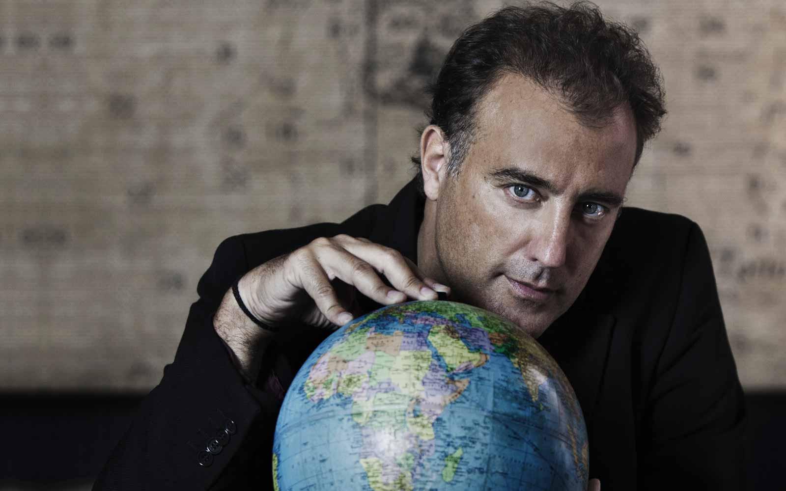 """Andrea Costantini, regista – """"il mondo gira, lascialo girare…"""""""