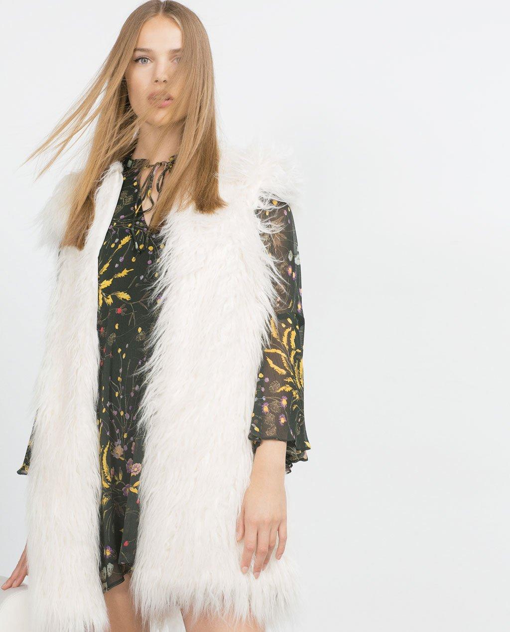 Tendenze-autunno-inverno-2015-Gilet-pelliccia-Zara bianco