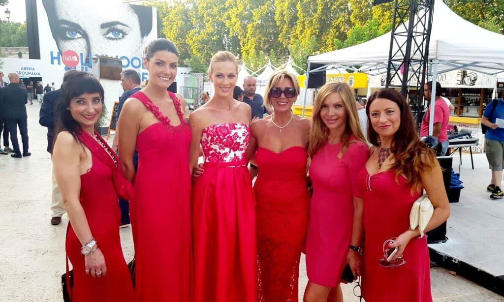 No Violence Progetto Michele Simolo donne in rosso 2