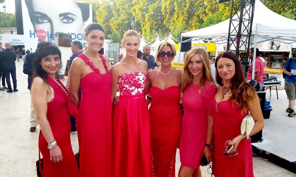 obiettivo No Violence Progetto Michele Simolo donne in rosso 2