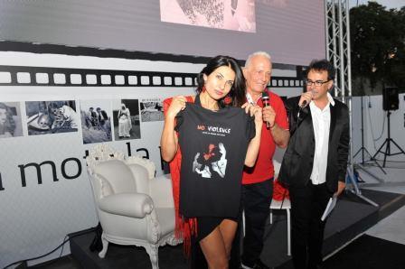 No Violence Progetto Michele Simolo maglietta