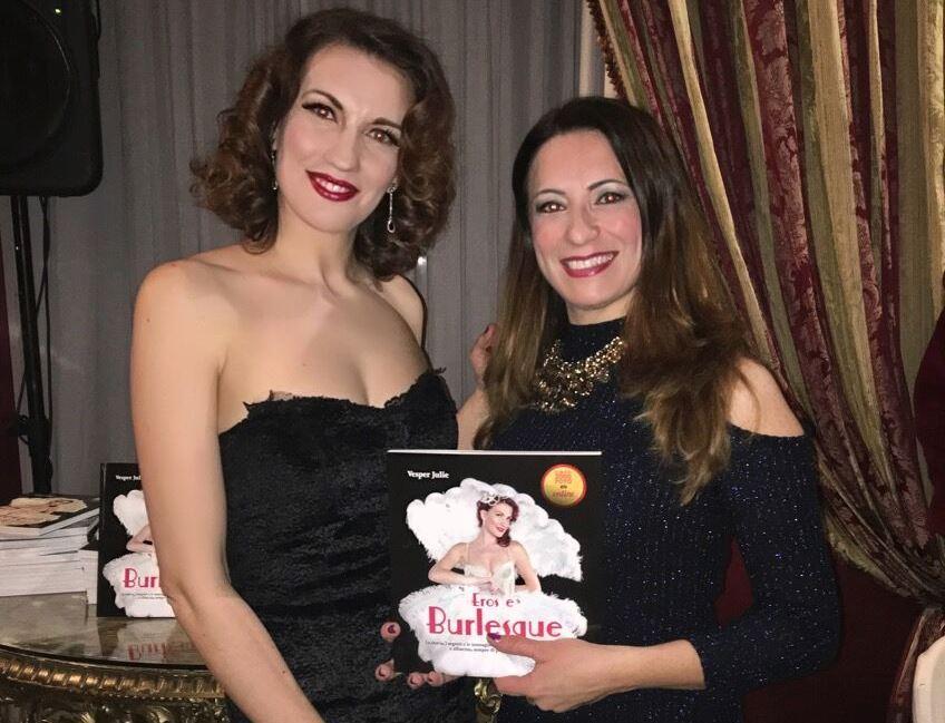 La storia e i segreti del Burlesque nel libro di Vesper Julie