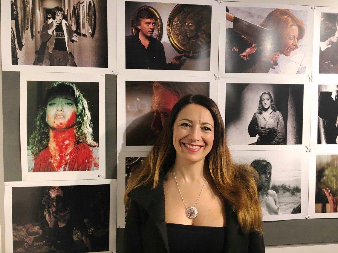 """""""TAGLI DI LUCE"""": il genio di Dario Argento immortalato da Franco Bellomo"""