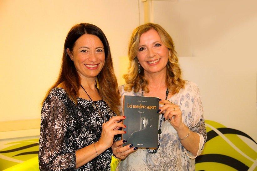 Lei non deve sapere – il nuovo libro di Giusy Amato tra amore, suspence e colpi di scena!