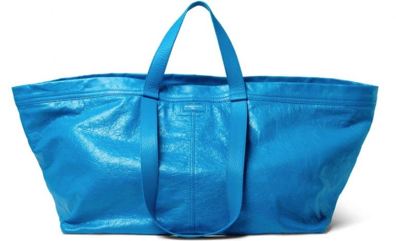 tendenze moda estate 2017 carry shopper balenciaga
