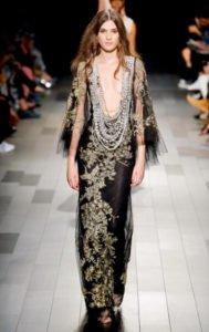 fashion week new york sfilata Marchesa abito collane