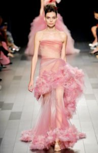 fashion week new york sfilata Marchesa abito rosa