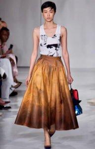 fashion week new york sfilata calvin Klein gonna ampia