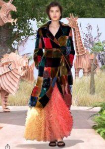 tendenze moda must have 2017 2018 sfilate ciniglia velluto cappotto dior