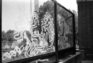 week end 16 e 17 settembre macro cross the street keith haring deleted 1
