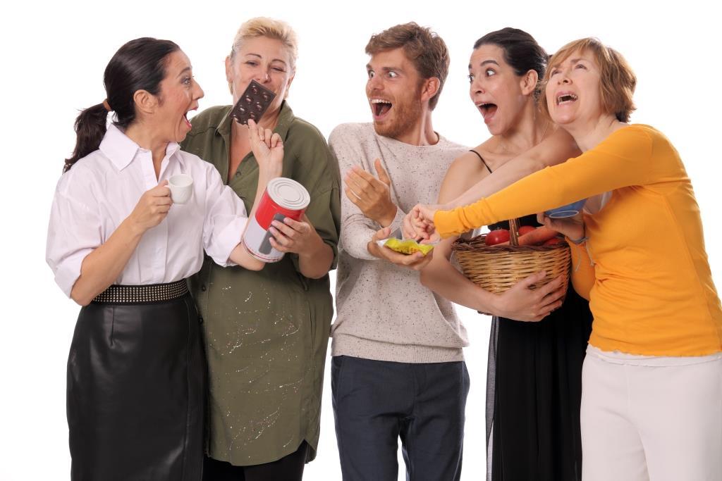 TETAS Y RECETAS (TITS AND TIPS) una commedia multimediale al Piccolo Eliseo