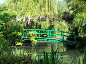 ponte giapponese nel giardino di monet a giverny