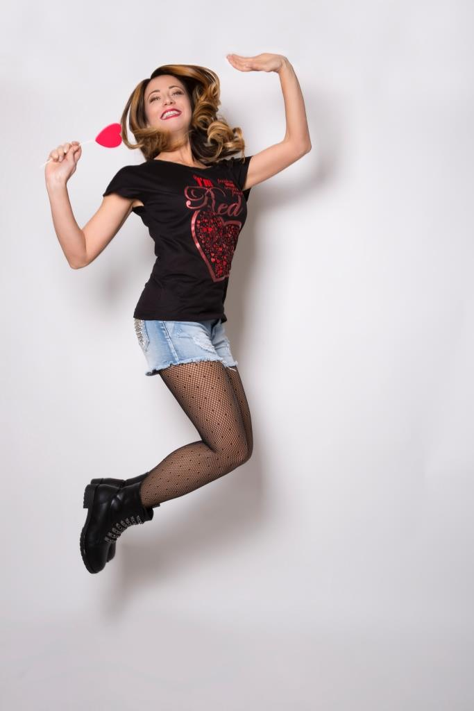 I'm Red - Colors Collection Blog and the city Elenia Scarsella t shirt donna cuore