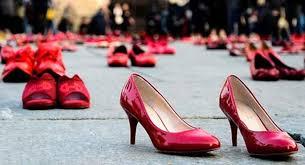 parla con noi violenza sulle donne scarpe rosse
