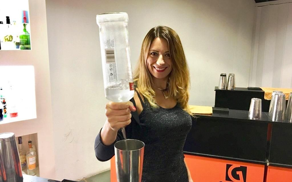 Mixology  Academy forma i Barman e le Bar Lady del futuro