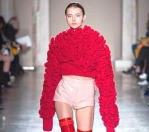 Cristiano Burani sfila alla Fashion Week con la sua donna metropolitana