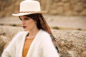 cappello di paglia tendenza estate etiqueta latina