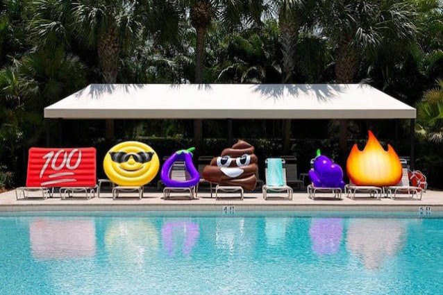 gonfiabili must dell'estate materassini emoji