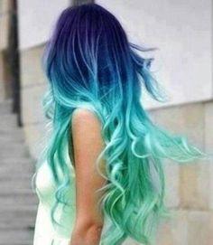 tendenze colore capelli 2018 2019 capelli arcobaleno rainbow hair azzurro