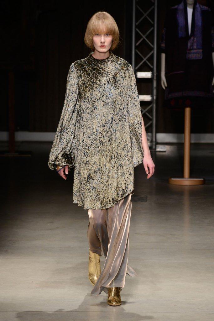 Milano fashion week sfilata hui