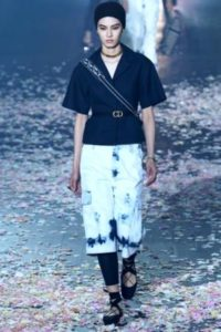 tendenze 2019 jeans dior pantaloni tie and dye