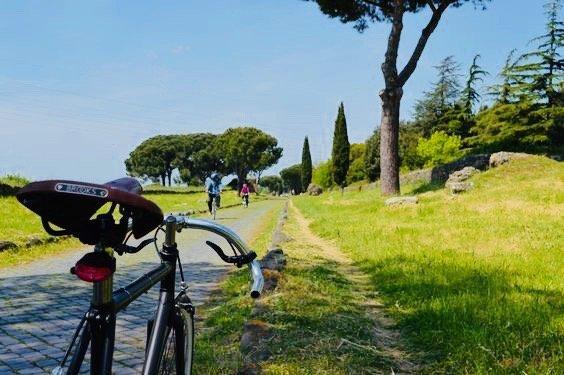 Passeggiata in bicicletta Appia Antica Roma