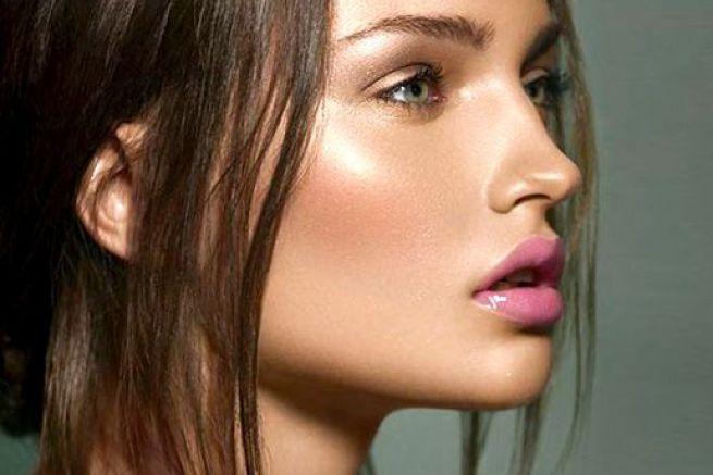 Illuminante must have del make up dell'estate