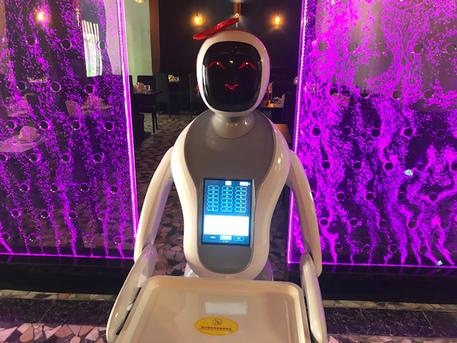 robot cameriere amy cagliari