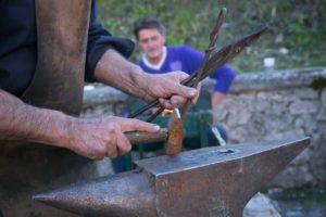 cantine nella roccia artigiani antichi mestieri