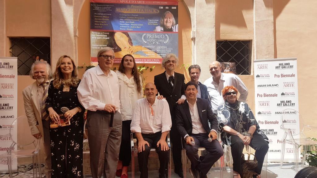 Vittorio Sgarbi seleziona gli artisti per la Biennale