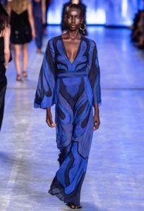 classic blue pantone 2020 abito alberta ferretti