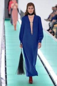 classic blue pantone 2020 abito gucci