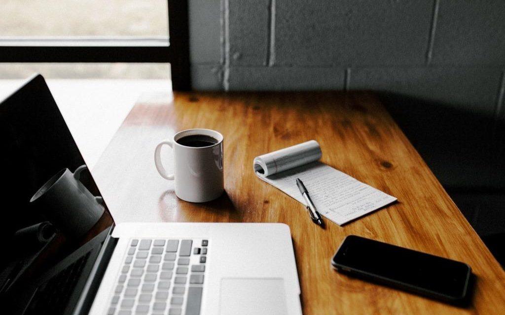 Lavoratori a scuola: ecco come crescere con una laurea online