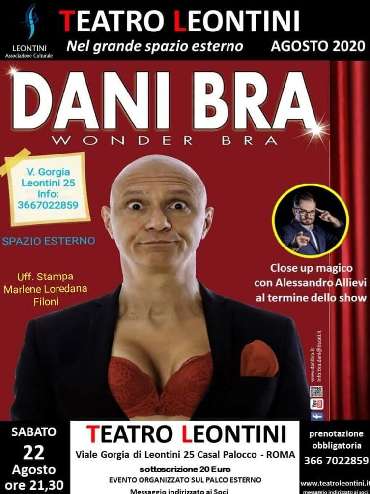 Dani Bra al teatro con Wonder Bra