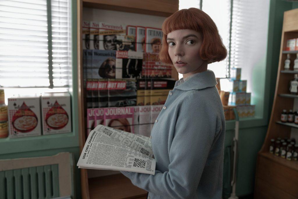 Trend capelli 2021 frangia Beth Harmon